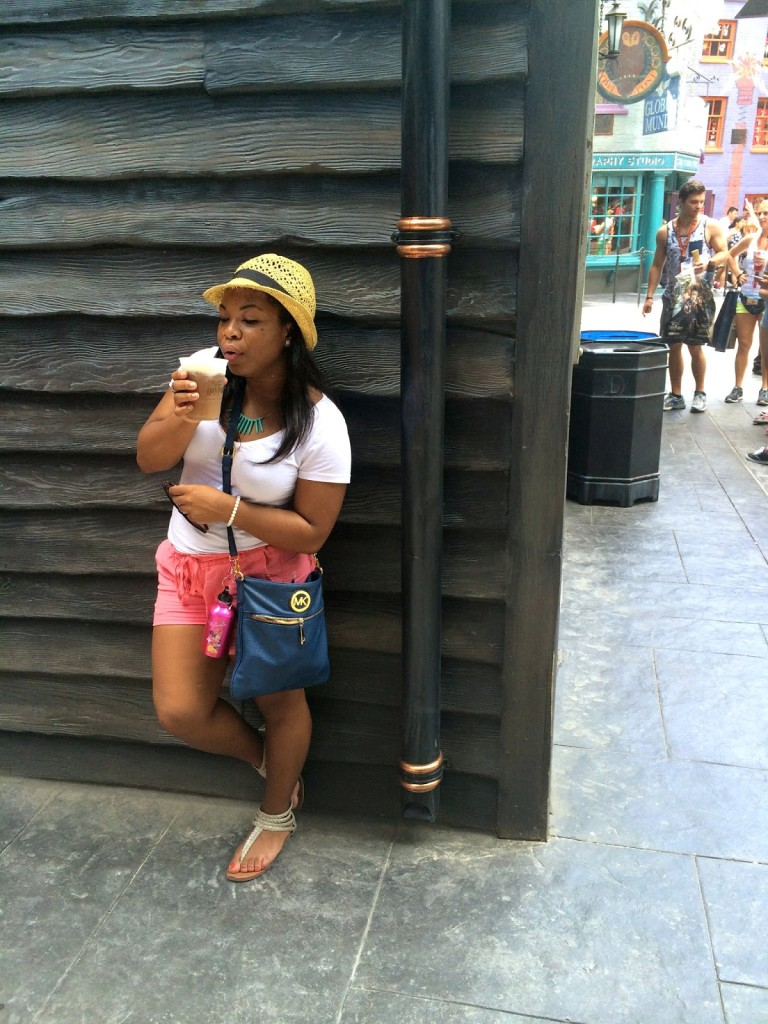 Shades_of_Chekara_Universal_Studios_Harry_Potter_butter_beer_diagon_alley_outfit