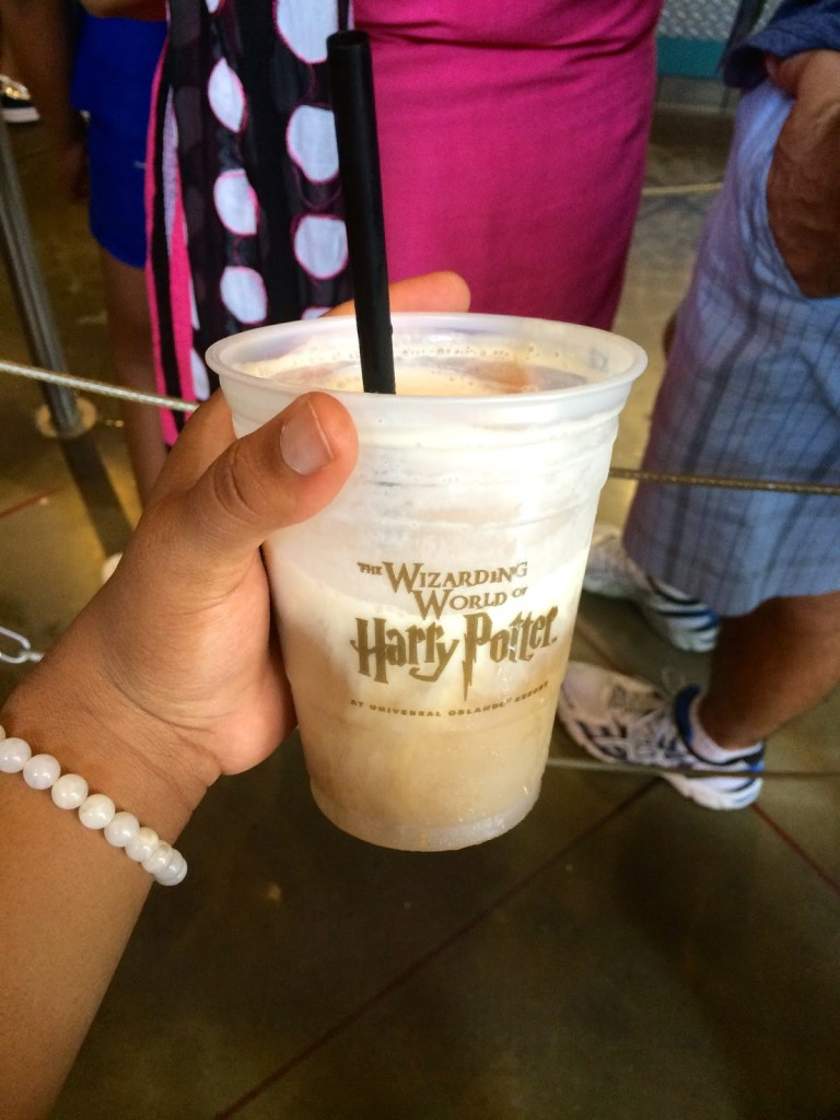 Shades_of_Chekara_Universal_Studios_Harry_Potter_butter_beer_diagon_alley