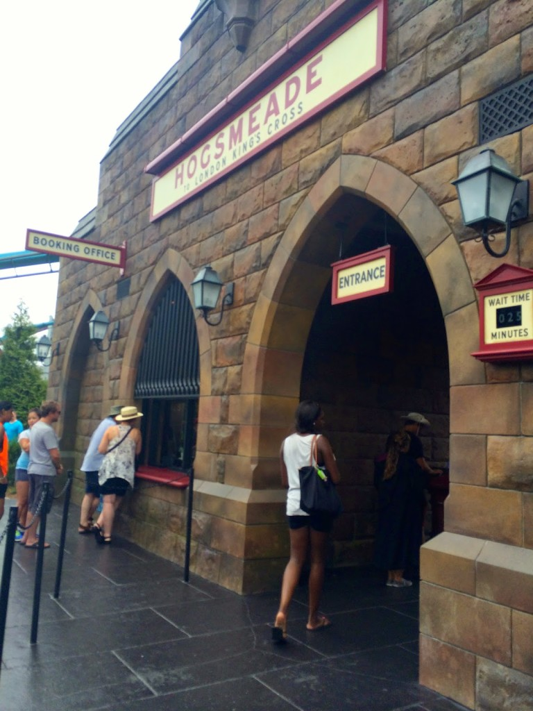 florida_universal_studios_vacation_travel_harry_potter_hogsmeade