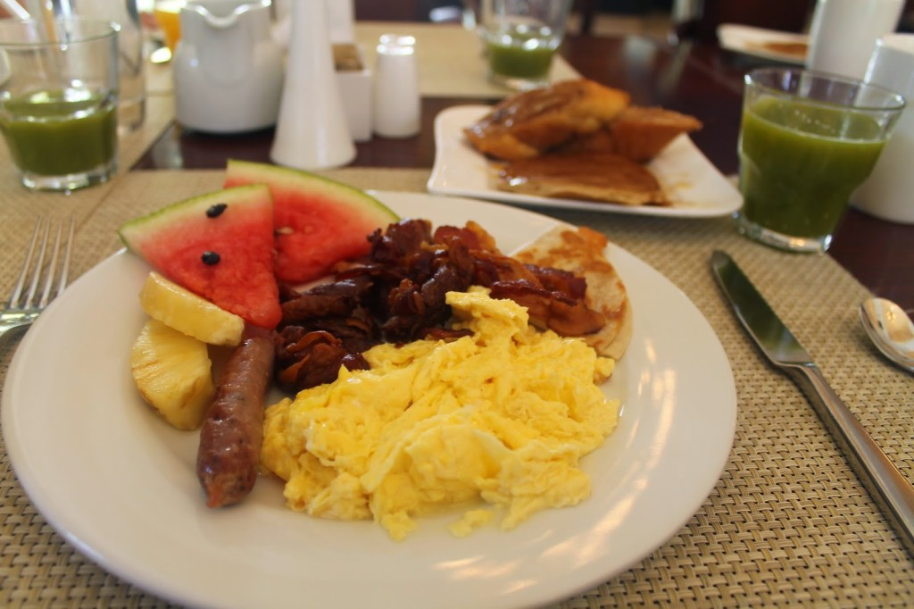 vacation_travel_mexico_cancun_breakfast_buffet