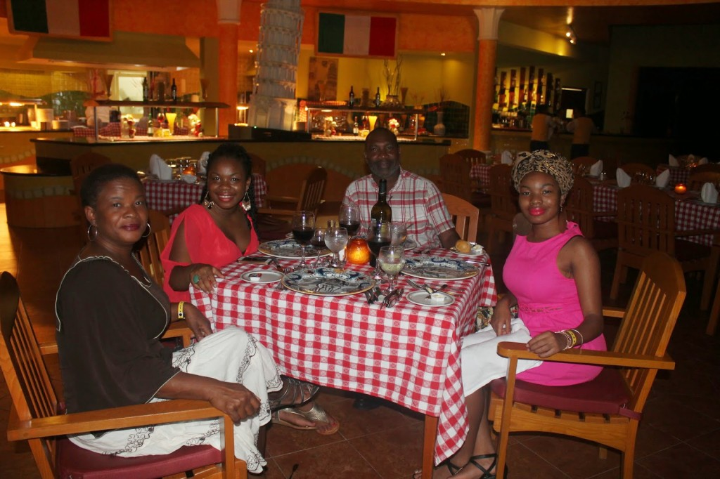 vacation_travel_riviera_maya_mexico_playa_del_carmen_iberostar_resort_dinner_italian